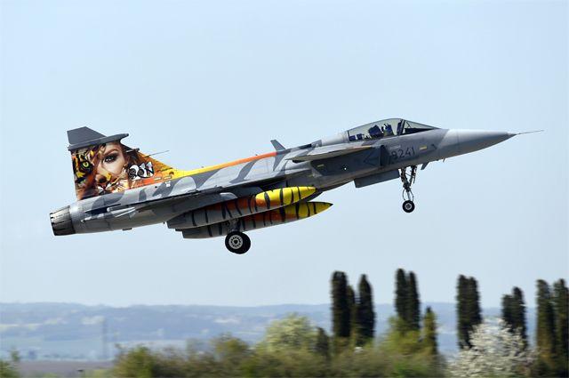 Истребитель Saab JAS 39 Gripen.