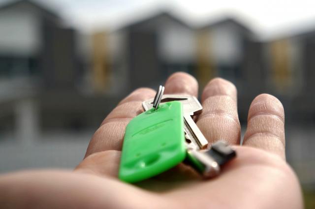 В Ноябрьске многодетная семья согласилась на переезд из аварийного жилья