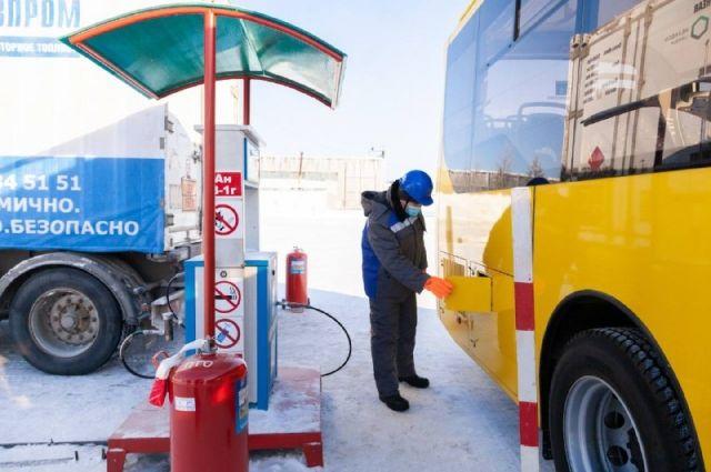 В Ноябрьске на маршруты вышли автобусы на газомоторном топливе