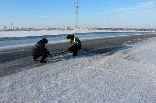 В Надымском районе автоинспекторы проверили дорогу «Сургут – Салехард»