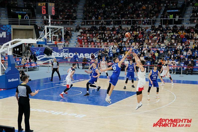 Баскетбольный матч Россия - Эстония в Перми.