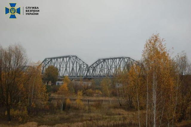 СБУ разоблачила хищение госсредств на ремонте железнодорожного моста