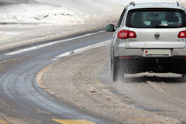 Оренбуржцев предупредили о закрытии трасс из-за непогоды