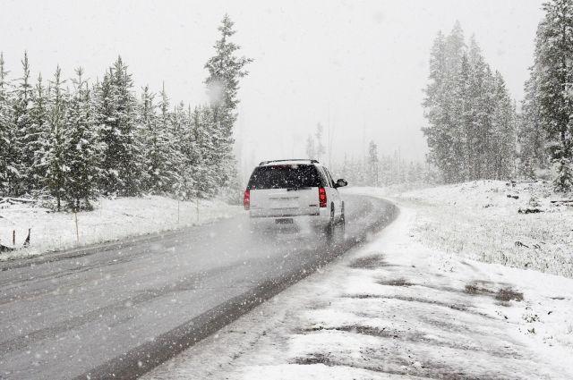 Временные ограничения для движения транспорта ввели из-за ухудшения погоды.