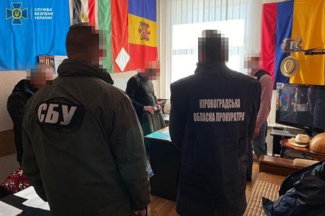 В Кропивницком декан Летной академии за взятки допускал курсантов к полетам
