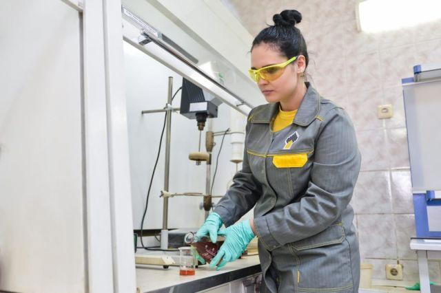В научных институтах компании трудятся 20 тыс. человек.