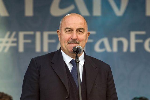 Черчесов: сборная РФ по футболу будет готовиться к мартовским матчам в Сочи