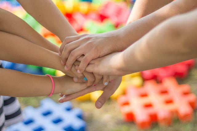 Малышу важно, чтобы родители, несмотря на сложности, позитивно смотрели на жизнь.