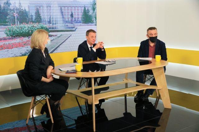 Вячеслав Франк на встрече с журналистами СМГ.