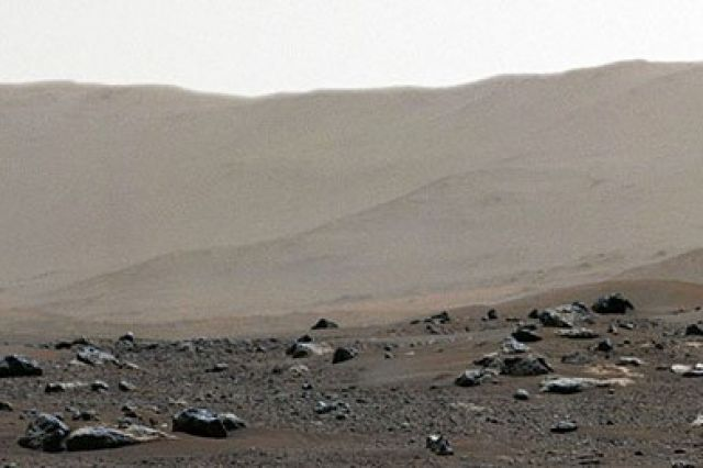 NASA опубликовало панораму поверхности Марса