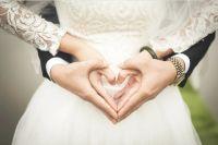В 2019 году впервые заключили брак 54 мужчины старше 60 лет.