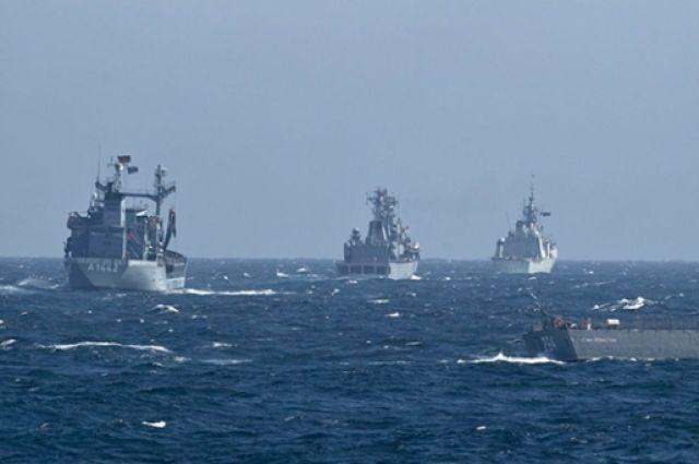 Корабли НАТО вошли в акваторию Черного моря.
