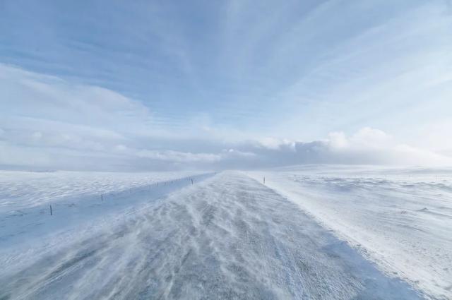 В Оренбургской области из-за метели ночью закрыли трассу на Казахстан.