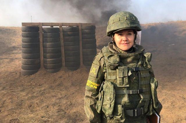 Ольга Серебрякова на военных учениях.