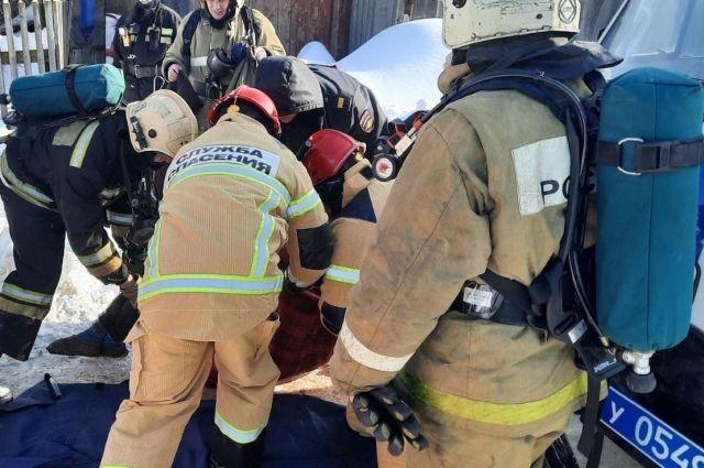 При обрушении дома в Глазове пострадали два человека