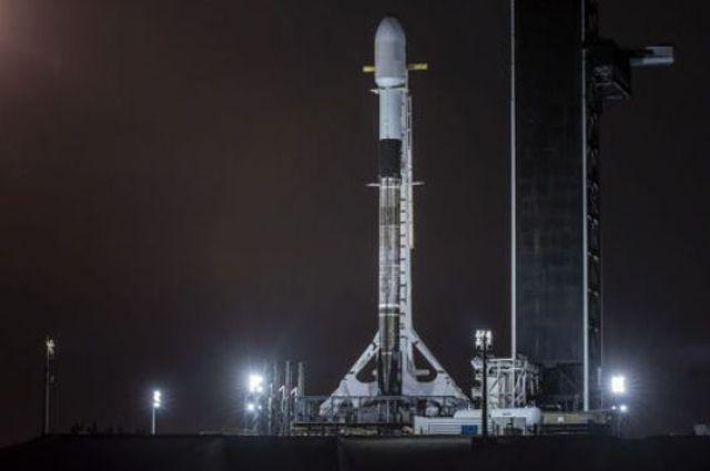 SpaceX отменила запуск ракеты-носителя с 60 спутниками Starlink.