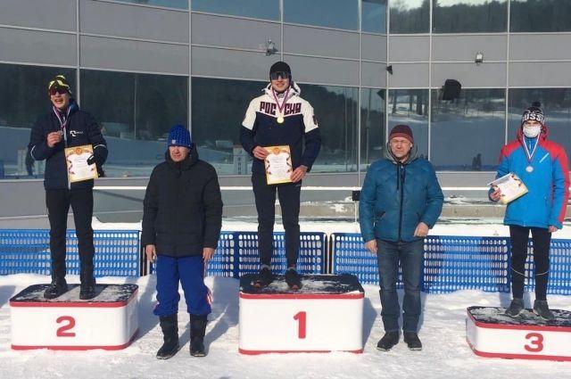 В лыжных стартах приняли участие 200 спортсменов из городов и районов края.
