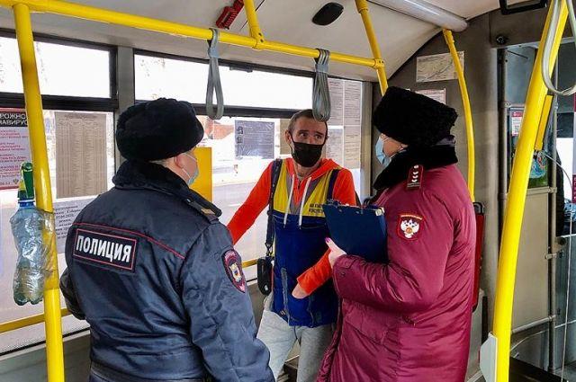 С линии после проверок ковид-инспекции было снято 42 автобуса и троллейбуса.