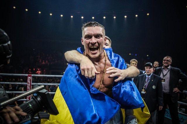 Усик занял первое место в рейтинге WBA в супертяжелом весе