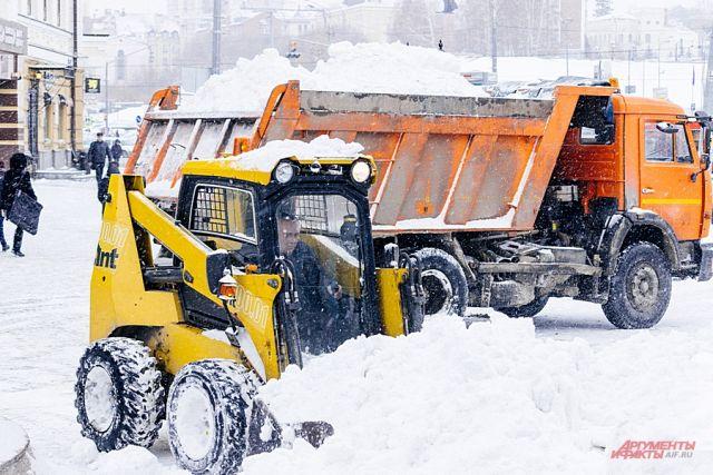 По инфрмации синоптиков, снега в этом году в Красноярске выпало в три раза больше нормы.