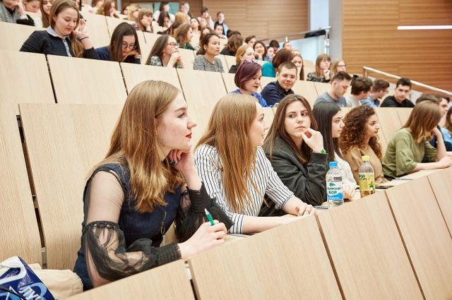 Студенты Тюменского госуниверситета вернулись в аудитории