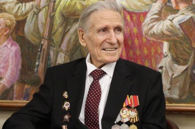 Редакция «АиФ-Новосибирск» желает Вениамину Карповичу скорейшего выздоровления и долгих лет жизни.