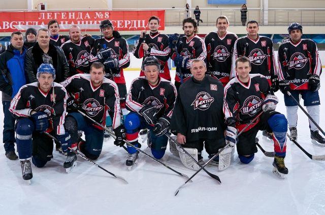 В Ухте состоялся 26-й региональный турнир по хоккею памяти почётного гражданина города, почетного нефтяника СССР Владимира Мишакова.
