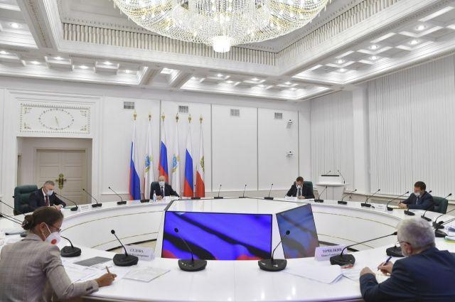 Радаев раскритиковал работу коммунальщиков и управляющих компаний Саратова