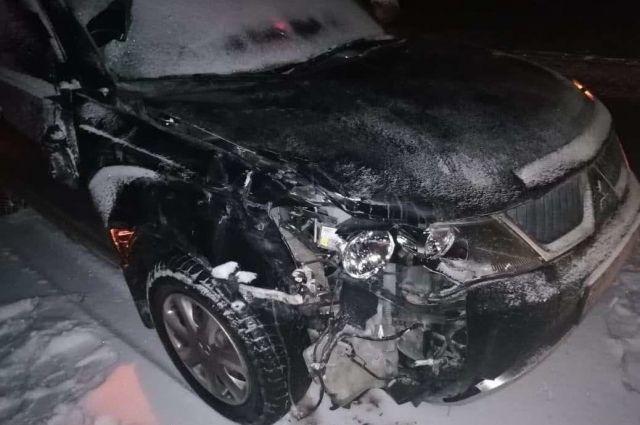 В Оренбуржье на трассе М-5 водитель внедорожника сбил насмерть женщину-пешехода.