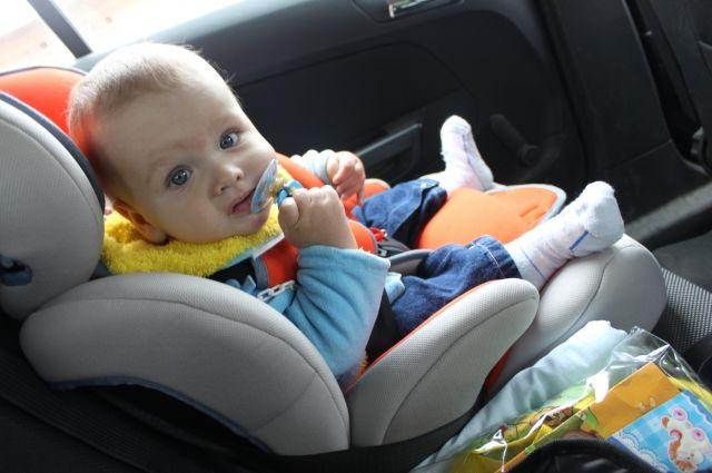 Автоинспекторы настоятельно рекомендуют не рисковать жизнью и здоровьем детей