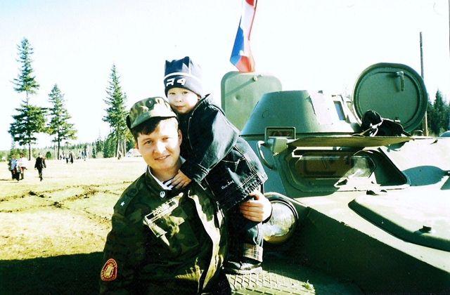 Евгений Корнилов 10 лет служил в Красноярске. Вернувшись на родную землю, стал военным комиссаром в Чусовом.