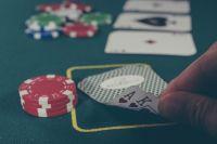 На скамье подсудимых в Дзержинской районном суде областного центра оказались 10 сотрудников подпольного казино.