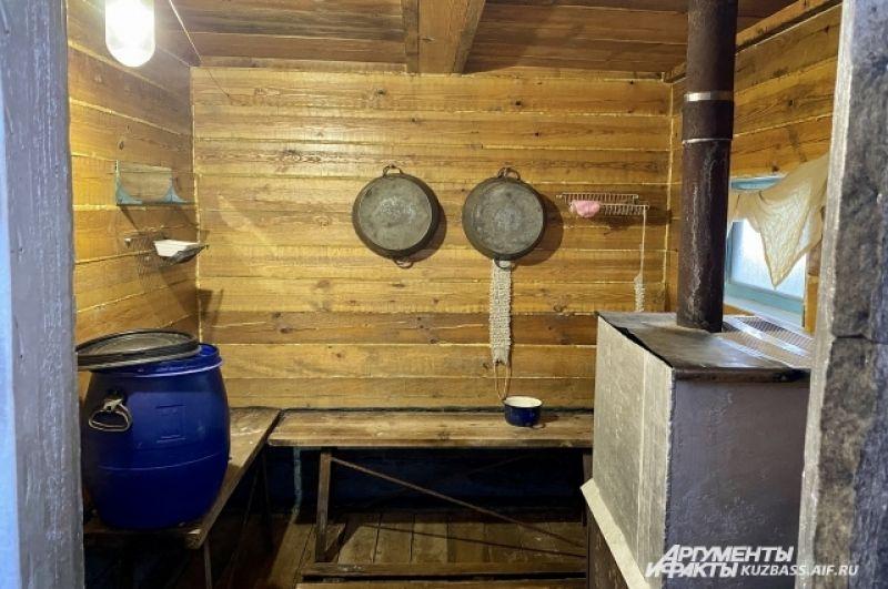 Некоторые постройки раз в несколько десятков лет требуют замены. Чтобы практически с нуля построить новую небольшую скромную баню нужно больше 40 тысяч рублей.