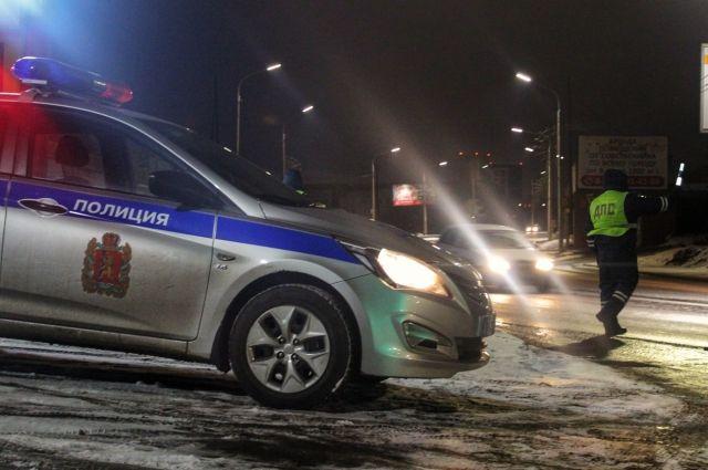 Экипаж ДПС во время патрулирования обратил внимание на «крадущуюся» по ночным улицам отечественную «семерку».