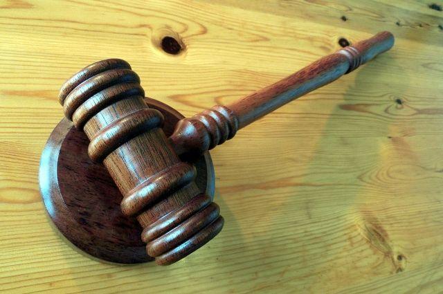 Суд Тюмени вынес приговор женщине, убившей топором дочь