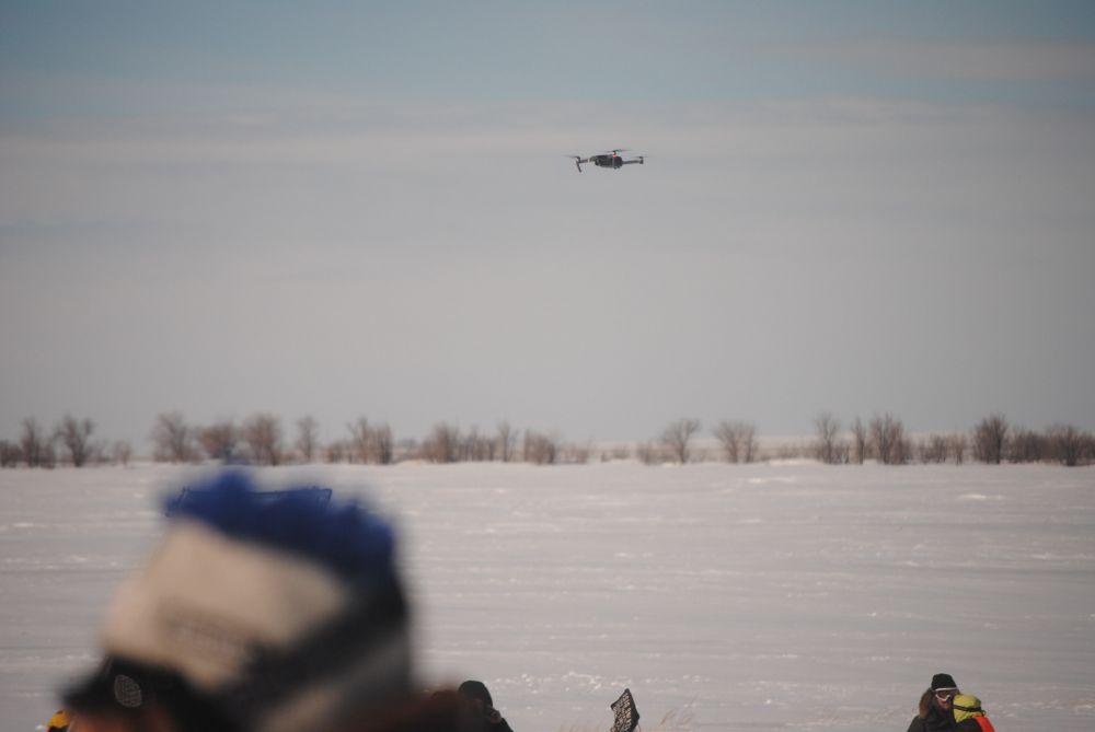 В съемках задействован дрон, который выполнил задание, несмотря на непростые погодные условия.