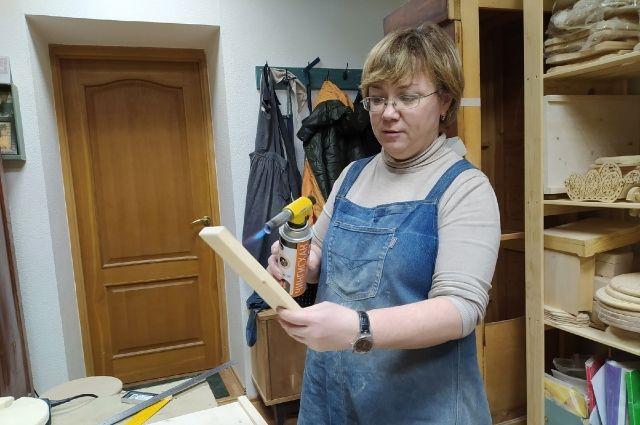 Долой стереотипы: ижевчанка открыла первую столярную мастерскую для женщин