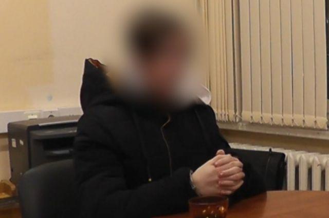 16-летний юноша рассказал, как убивал маму, папу и сестру.