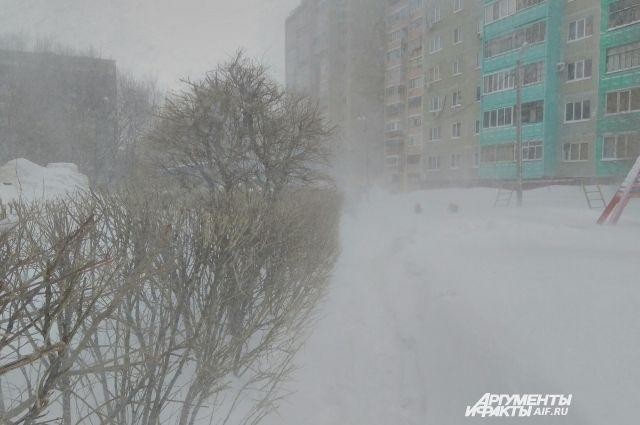 В Оренбургской области 6 марта сохранится сильный ветер и метель.