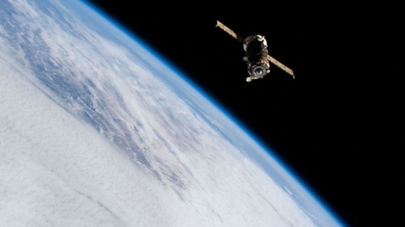 Космический корабль «Прогресс-76».