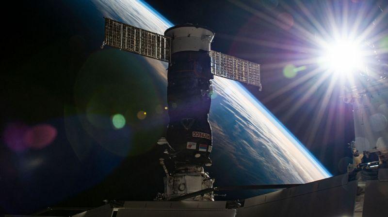 Космический корабль «Прогресс-77».