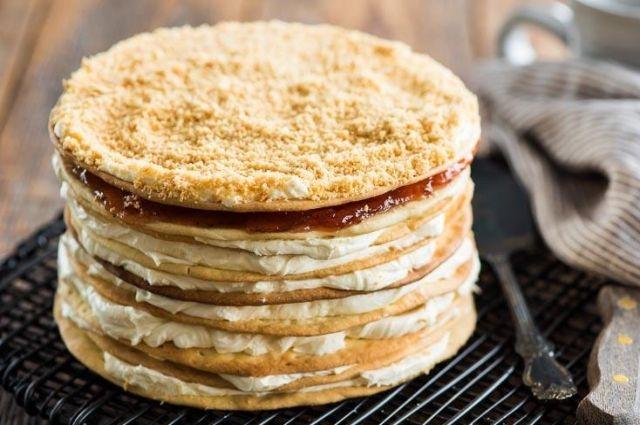 Торт «Наполеон» со сгущенкой: рецепт изысканного десерта