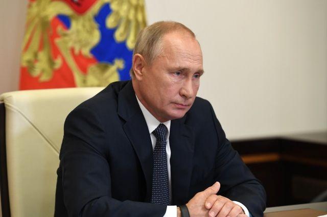 Любимова выразила соболезнования в связи со смертью Валентина Курбатова