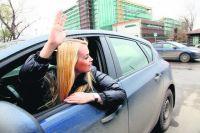 Водительницы такси часто сталкиваются с некорректными высказываниями о выборе своей профессии.