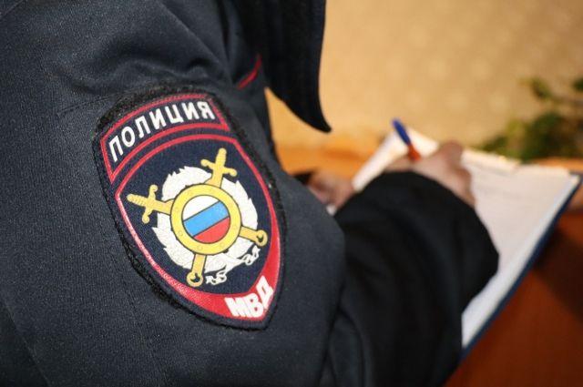 Полицейские задержали грабителя по горячим следам.