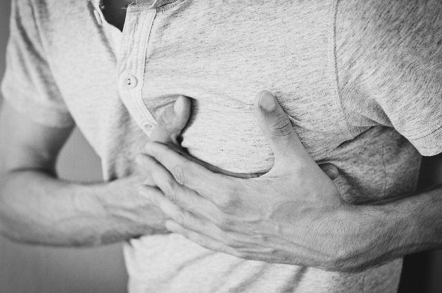 На январских каникулах ямальца стали беспокоить боль в грудине и одышка