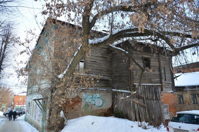 До конца 2021 года в Оренбуржье из аварийного жилья переселят 470 семей.