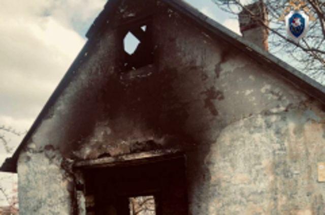 В Калининграде при пожаре погибла неизвестная женщина