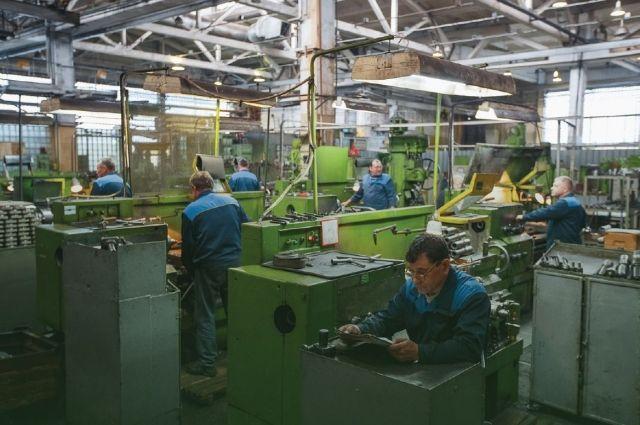 Завод транспортного машиностроения рассчитался с работниками только за ноябрь.