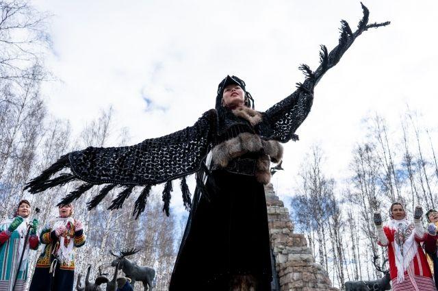 Праздник «Вороний день» проходит в Югре ежегодно и собирает большое число зрителей